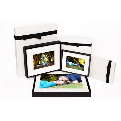 "Budget Portrait Box 10x8'' (suits 7x5"" images) holds 12 or 20 mounts"